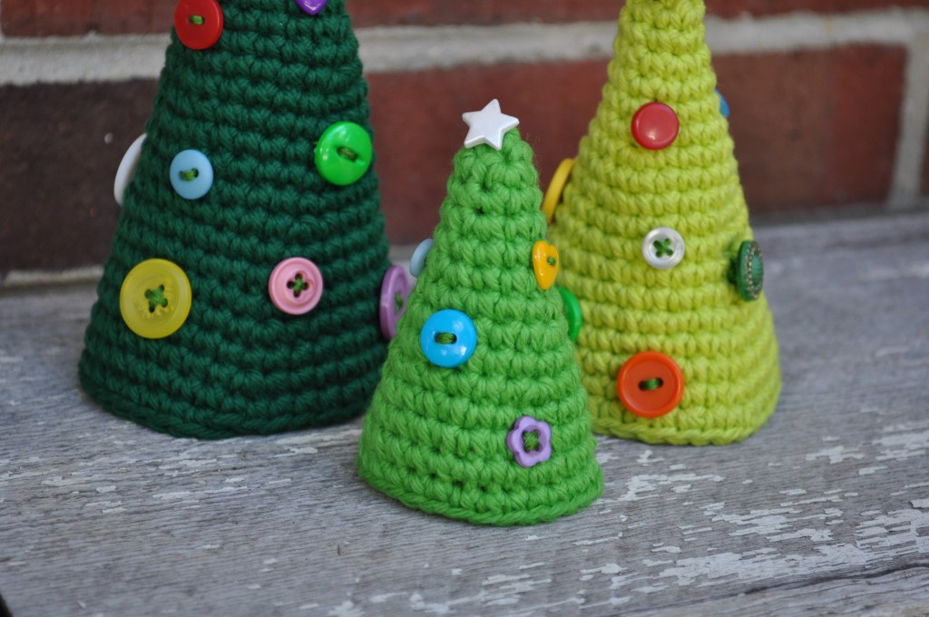 Crochet A Cute Little Christmas Tree!